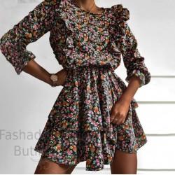 Lilleline volangidega kleit
