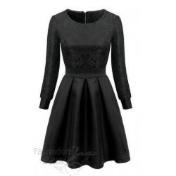 Mustriline kleit