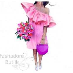 Volangiga kleit
