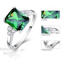 Emerald hõbesõrmus
