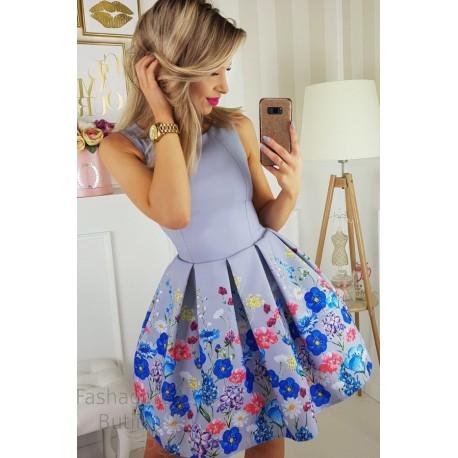 Lillemustriline kleit