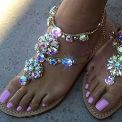 Kristallidega sandaalid